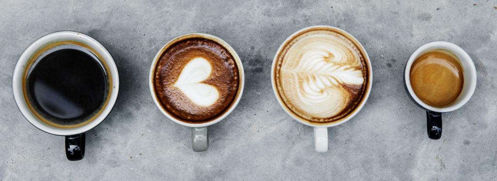 diferentes preparaciones de café en tazas