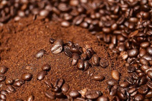 cafe en grano y molido mezclado